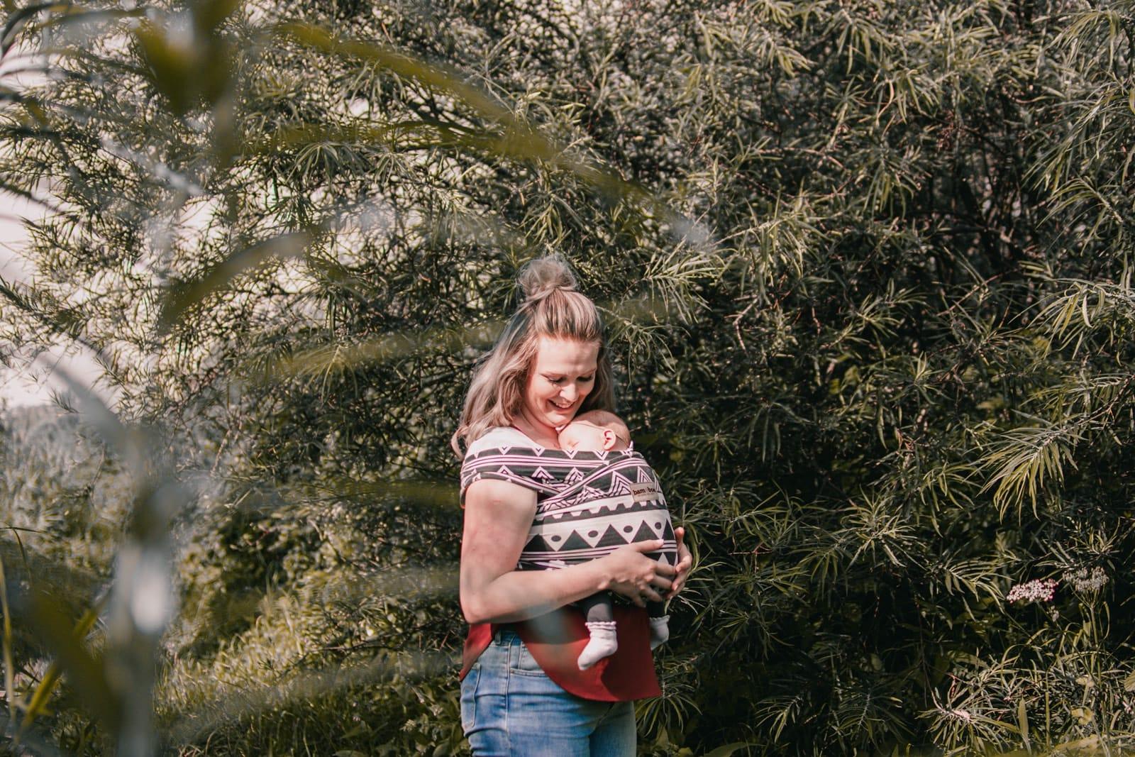 baby dragen met met rekbare draagdoek